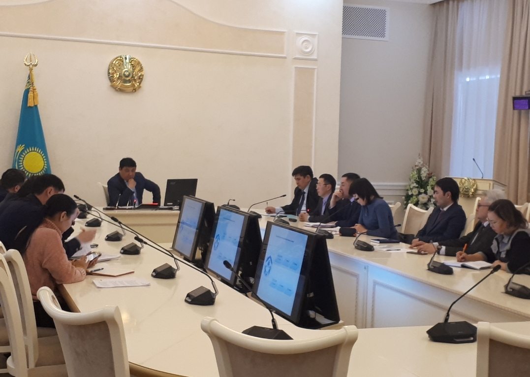 A meeting of the city Commission on minors ' Affairs and protection of their rights was held in Karaganda.