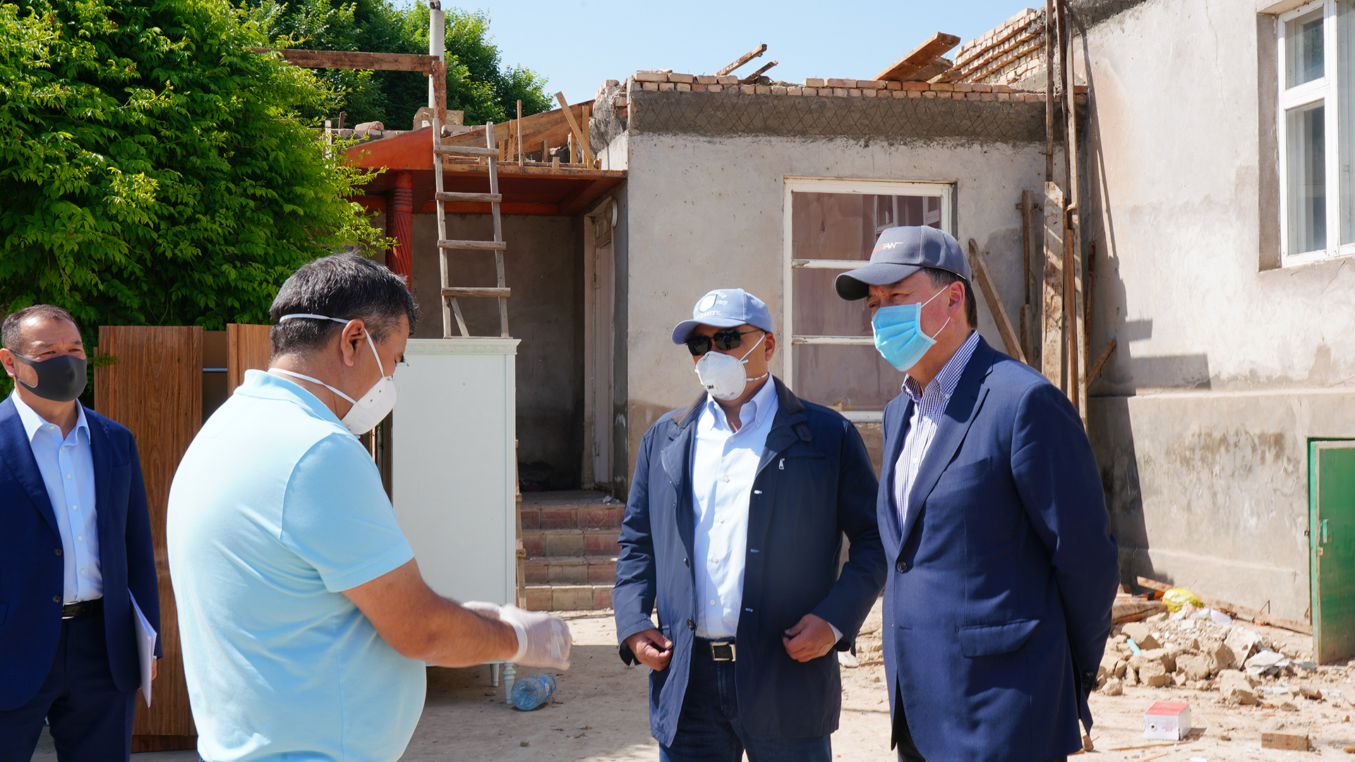 PRIME MINISTER OF THE REPUBLIC OF KAZAKHSTAN A. MAMIN INSPECTED RESTORATION WORKS IN THE MAKTAARAL DISTRICT OF THE TURKESTAN REGION