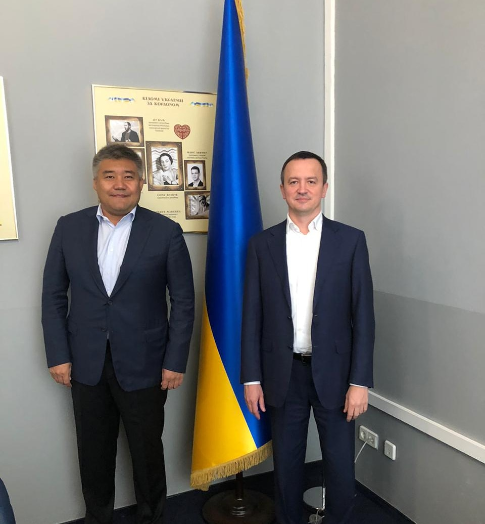 On July 20, 2020, Ambassador of the Republic of Kazakhstan to Ukraine D.Kaletaev met with Minister of Economic Development, Trade and Agriculture of Ukraine I.Petrashko
